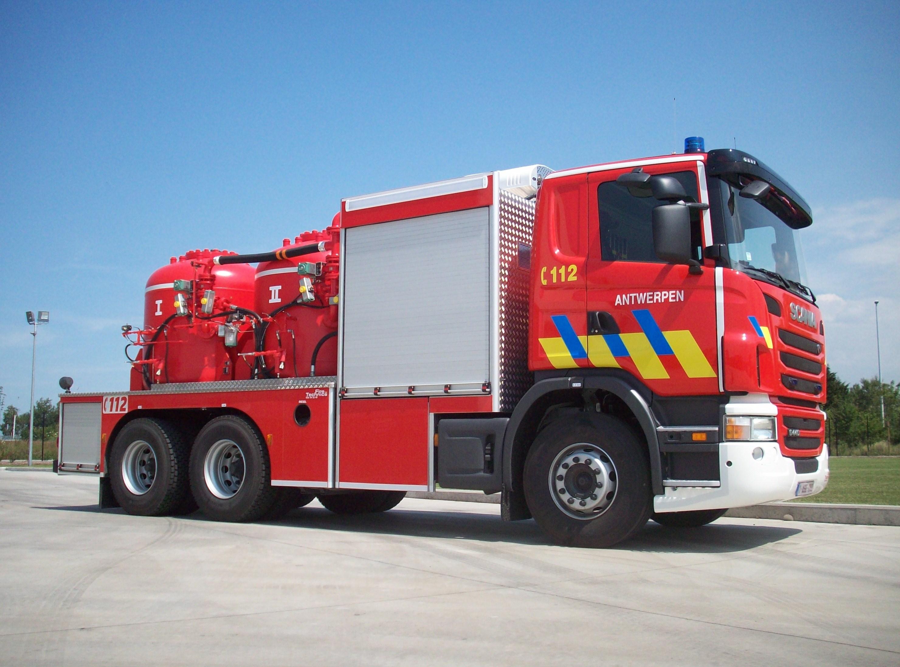 Poederblusvoertuig Brandweer Antwerpen Fire Technics Nv